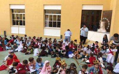 """Recordamos el """"milagro de las Castañas"""" de Don Bosco y celebramos HOLLYWINS, la fiesta de los Santos!!"""