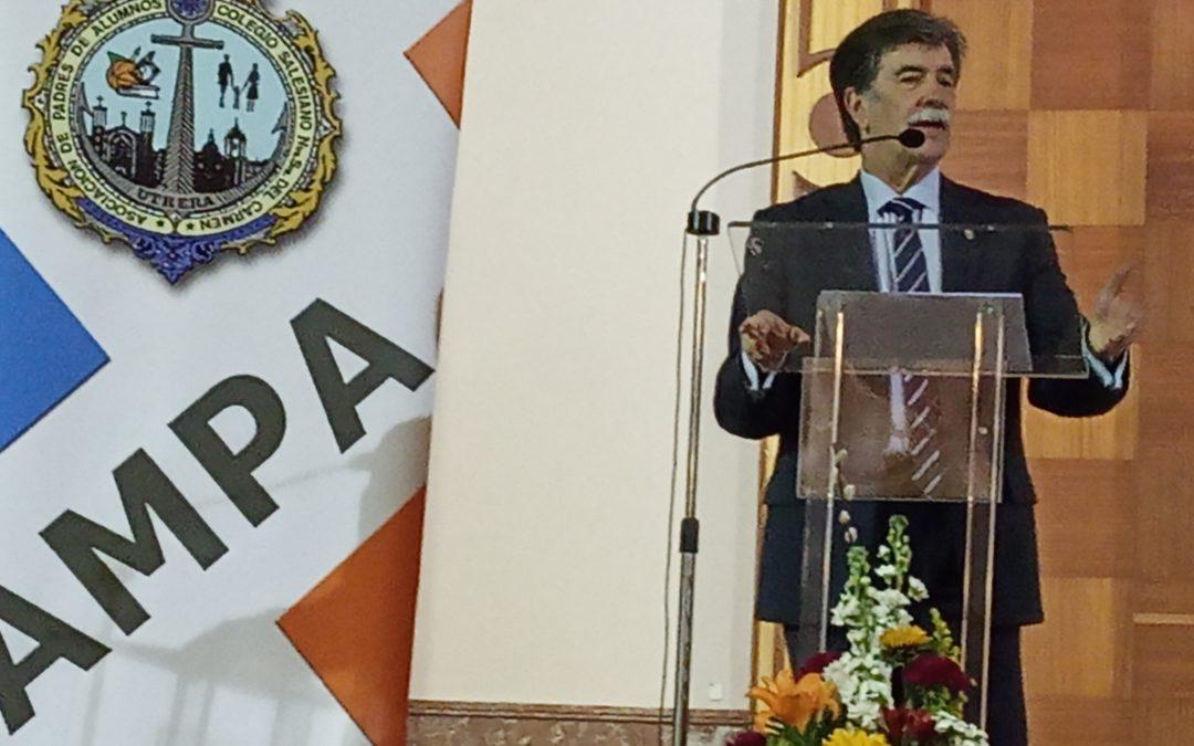 D. JAVIER URRA NOS HABLÓ DE LA DIFÍCIL TAREA DE EDUCAR.